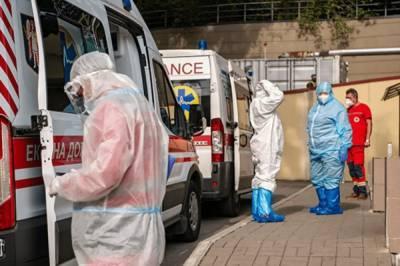 Степанов сообщил, что для пациентов с коронавирусом в больницах осталось всего 13,5 тыс. мест