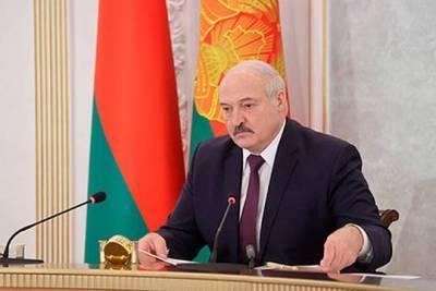 Александр Лукашенко посоветовал «не париться» по поводу коронавируса