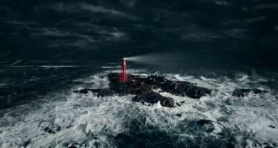 Отшельник на маяке: международные кинофестивали ищут новые форматы
