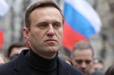 Сегодня Навальный должен вернуться в Россию