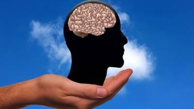 Врач рассказал, какое влияние оказывает коронавирус на мозг человека