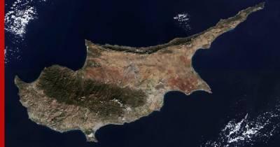 Россиянам объяснили, кто может уехать в отпуск на Кипр