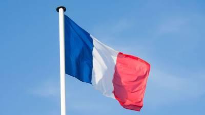 Во Франции рекомендовали увеличить время между инъекциями вакцины от COVID-19