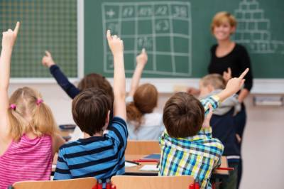 Возвращение за парты: Как будут работать школы и детсады с понедельника