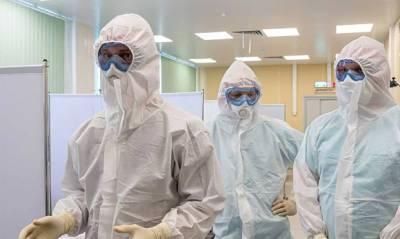 Минздрав призвал ушедших на пенсию медиков сделать прививку и вернуться к работе