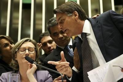 В сенате Бразилии выдвинули обвинения Болсонару за его политику в пандемию