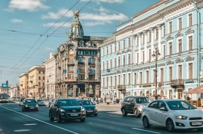 Долгий локдаун может убрать с улиц Петербурга стрит-ретейл