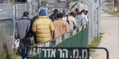Палестинских рабочих в Израиле привьют вакциной Moderna