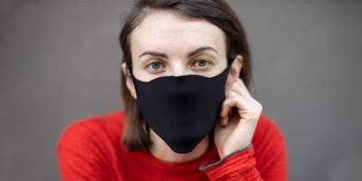 Женщине выдали водительские права с фотографией в маске