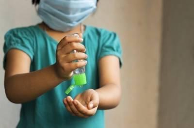 В итальянской области зафиксировали вспышку COVID-19 среди школьников