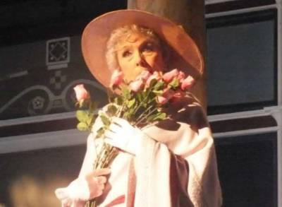 Прививка от COVID-19 позволила вернуться на сцену 95-летней актрисе Вере Васильевой