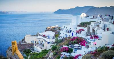 Как будут принимать украинских туристов в Греции: министр назвал условия