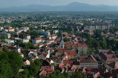 Словения освободила привитых «Спутником V» от карантина при въезде в страну