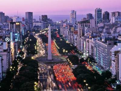 Аргентина усиливает карантин в столице: вводят комендантский час
