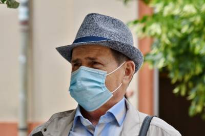 В Петербурге за сутки от коронавируса умерли 27 человек