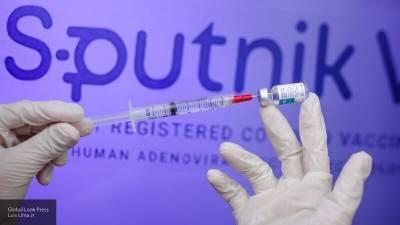 """Европейцы массово едут в туры за """"Спутником V"""": итальянец рассказал о вакцинации в ЕС"""