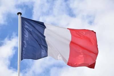 Франция вводит 10-дневный карантин для прибывших из семи дополнительных стран и мира