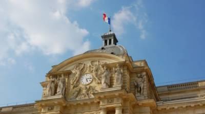 Во Франции усилили ограничения для непривитых от коронавируса