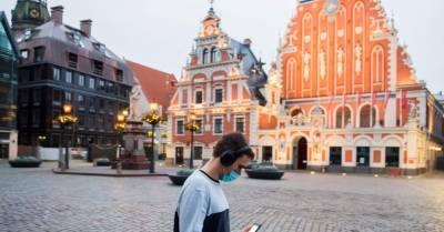 Медленно, но верно: заболеваемость Covid-19 в Латвии ползет вверх