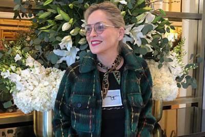 Шерон Стоун пригрозили увольнением из-за ее требований о вакцинации от COVID-19