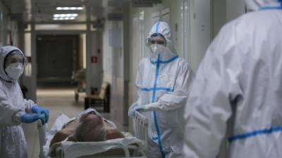 Врач объяснил большое количество пациентов с Covid-19 в больницах Петербурга