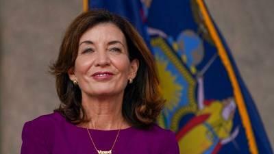 Нью-Йорк может привлечь Нацгвардию для замены невакцинированных медиков